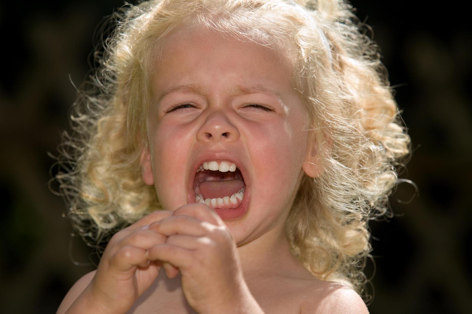 Фото плачущей маленькой девочки 23 фотография