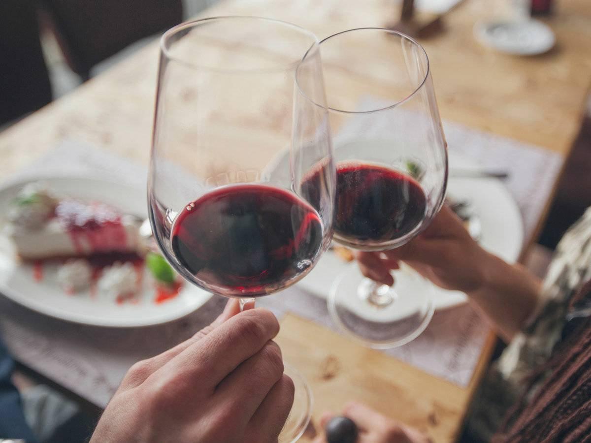 Raudonojo vyno naudą širdžiai lemia ne alkoholis