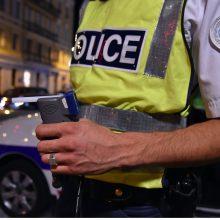 Prancūzijoje du žmones peiliu nužudžiusiam užpuolikui pateikti kaltinimai terorizmu