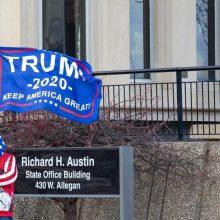 Dauguma amerikiečių mano, kad D. Trumpui metas pripažinti pralaimėjimą rinkimuose