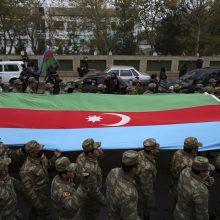 Azerbaidžanas: per kovas Kalnų Karabache žuvo beveik 2 800 šalies karių