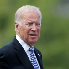 ES ragina J. Bideno administraciją sugrįžti prie branduolinio pakto su Iranu