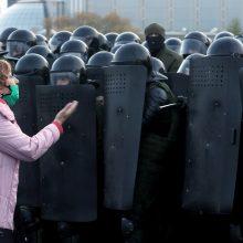 Teisių gynėjai praneša apie 280 sulaikytųjų Baltarusijoje