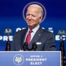 Kinija po J. Bideno pergalės ragina atnaujinti derybas su JAV