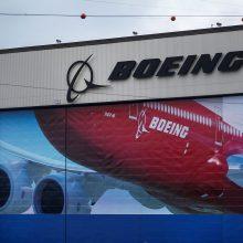 """""""Boeing"""" ketina atsisakyti dar 7 tūkst. darbo vietų"""