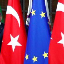 Turkija skelbia susitarusi su Graikija dėl ginčytinų vandenų