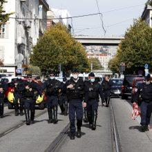 Prancūzijoje skelbiama aukščiausio lygio antiteroristinė parengtis