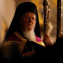 Graikijos Bažnyčia nesutinka dėl COVID-19 uždaryti maldos namus