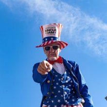J. Bidenas norėtų matyti D. Trumpą savo inauguracijos iškilmėse