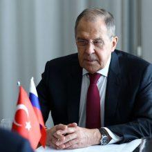 Rusija ir Turkija nepaisydamos JAV sankcijų plėtos karinius ryšius