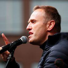 A. Navalnas sako grįšiantis į Rusiją, kai tik atgaus sveikatą