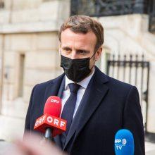 E. Macronas: Prancūzija kovoja su islamo ekstremizmu, o ne islamu