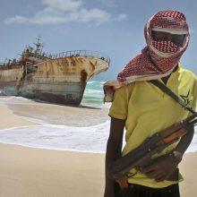 Piratai Gvinėjos įlankoje iš laivo pagrobė keturis įgulos narius