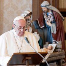 Popiežius oficialiai atėmė Vatikano valstybės sekretoriato turtą