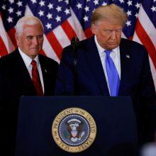 JAV Kongresas neapleidžia planų nušalinti prezidentą
