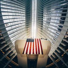 J. Bidenas ketina keisti JAV prekybos taktiką, bet ne bendrą politikos kryptį