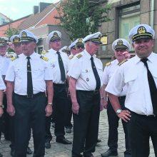 Jauniausias kapitonas moko išgyventi jūroje