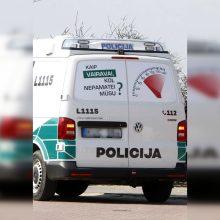 Po susidūrimo su policijos mašina – klausimai: kas kaltas dėl avarijos?