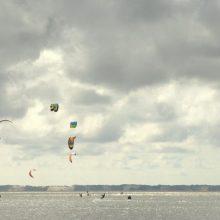 Palangoje aliarmas dėl kaituotojų: stiprus vėjas nešė į jūrą