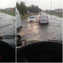Nemenkas iššūkis klaipėdiečiams: po lietaus paplūdo uostamiesčio gatvės