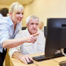 Išmoksta ir valdyti skaitmenines technologijas, ir atpažinti sukčių pinkles