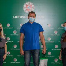 Klaipėdos policininkų padėka gyventojui: užkirto kelią nelaimei