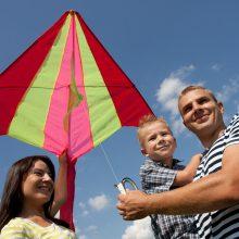 Kauno rajono savivaldybė skirs daugiau lėšų tėvų globos netekusių vaikų globėjams