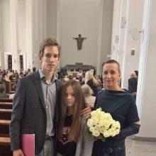 Vaikai: savo laimės mikrochemą Edita visų pirma stengiasi perduoti svarbiausiems savo gyvenimo žmonėms – Gertrūdai ir Nojui.