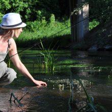 Žvejyba: aistringai muselininkei Editai upė – tarsi galvosūkis, kurį kas kartą reikia spręsti iš naujo, bandant suvilioti žuvį.
