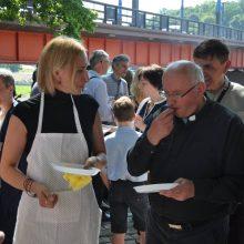 Pasitikėjimas: tik kunigas K. Rugevičius žino apie Editos išgyventą asmeninį Aušvicą, kuriam ji labai dėkinga už pagalbą gydant sielos žaizdas.