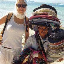 Kelionės: nors ir kaip saugu, gera, jauku savo saloje, Editai kaip gurkšnio oro reikia leistis į pasaulį.