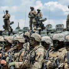 Rumunų prezidentas ragina J. Bideną dislokuoti daugiau karių NATO rytiniame flange