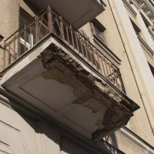 Tragedija Panevėžyje: žuvo pro balkoną iškritusi jauna moteris