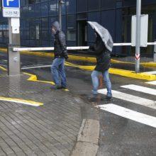 Sinoptikai nežada nieko gero: sulauksime lietaus ir štormo