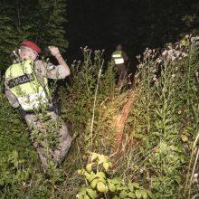 Į Lietuvą pasieniečiai neįleido 36 migrantų: tarnybinių ginklų panaudoti neteko