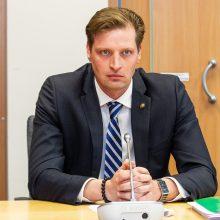 Ministras K. Mažeika įžeidė moteris?