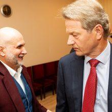 Prokuroras G. Vainauskui ir R. Paksui siūlo lygtinį įkalinimą