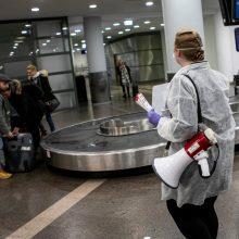 Įspėja: visiems parskrendantiems į Lietuvą privaloma izoliuotis