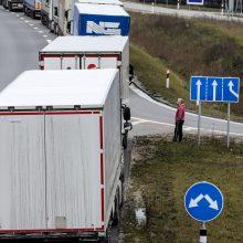 Kemšasi pasienis į Baltarusiją: eilėje gali tekti laukti ilgiau nei parą