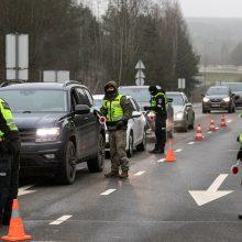 Policija – jau postuose: sieks, kad patikra neužtruktų ilgiau kaip 30 minučių