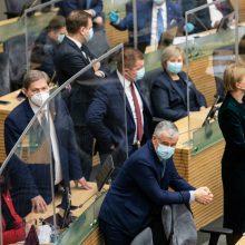 """Seime – aistros dėl """"Šeimų maršo"""": skambėjo ir įžeidimai, ir atsiprašymai"""