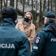 A. Bilotaitė ragina nedelsiant paskiepyti kontaktinį darbą vykdančius pareigūnus