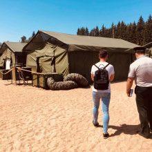 Pabėgėlių centre lankėsi Seimo nariai: čia toli gražu nėra šiltnamio sąlygų