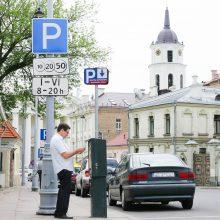Sostinėje automobilių stovėjimo branginti euru nesiryžo, bet brangs kitaip