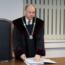 Teisėjų taryba atidėjo sprendimą dėl neblaivaus vairavusio teisėjo