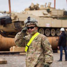 Į Lietuvą atvyksta JAV bataliono kovinė technika – tankai ir kovos mašinos