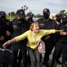 Leidimai atvykti į Lietuvą išduoti 80-čiai nuo represijų bėgančių baltarusių