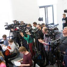 Pernai 43 politikai, tarnautojai ir jų sutuoktiniai valdė 83 žiniasklaidos priemones