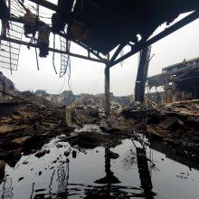 Ekspertai ieško būdų, kaip išvalyti po gaisro Alytuje likusį užterštą vandenį