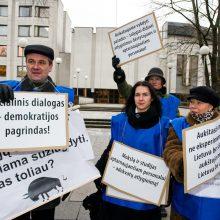Nebegali tylėti: Muzikos akademijos dėstytojai rengia protesto akciją